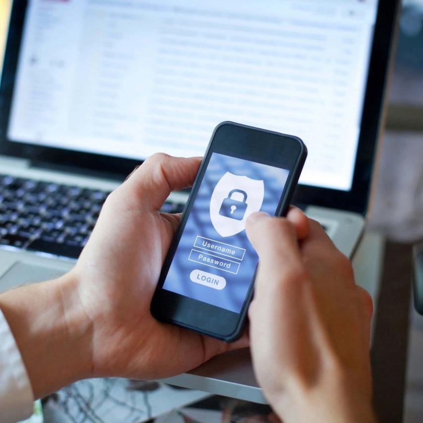 Virtuelle Bewachung auch mit der Smartphone App für Ihre WatchBox.